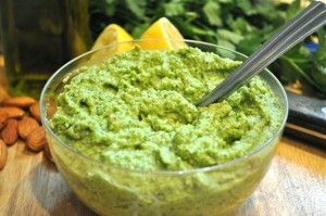 broccoi pesto pesto/feature