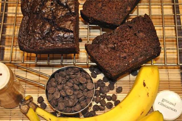 chocolate cinnamon-spiced banana bread