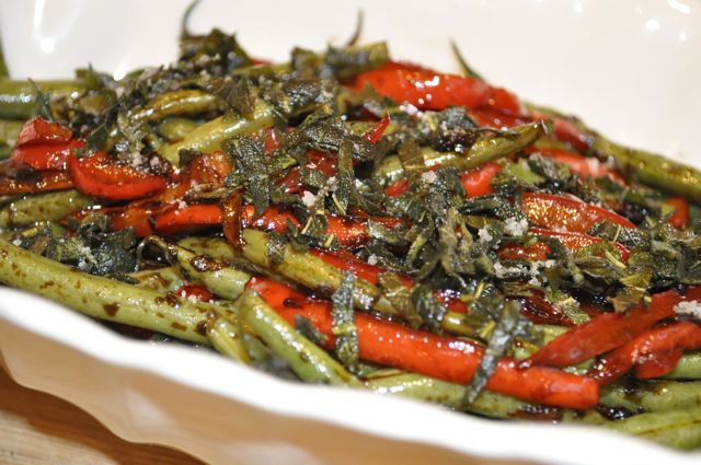 green beans with peppers & crispy sage